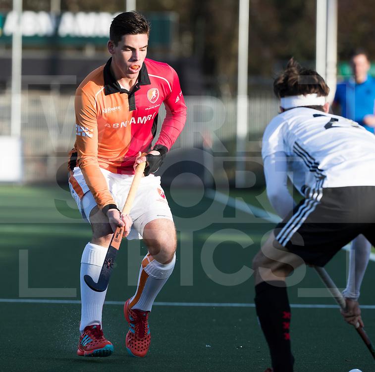AMSTELVEEN - Bram Huijbregts (Oranje-Rood)   tijdens   de hoofdklasse hockeywedstrijd AMSTERDAM-ORANJE ROOD (4-5). COPYRIGHT KOEN SUYK