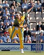 2005 Twenty/20 Cricket England vs Australia, The Rose Bowl, Southampton, Hampshire, ENGLAND 13.06.2005, Jason Gillespie.Photo  Peter Spurrier. .email images@intersport-images...