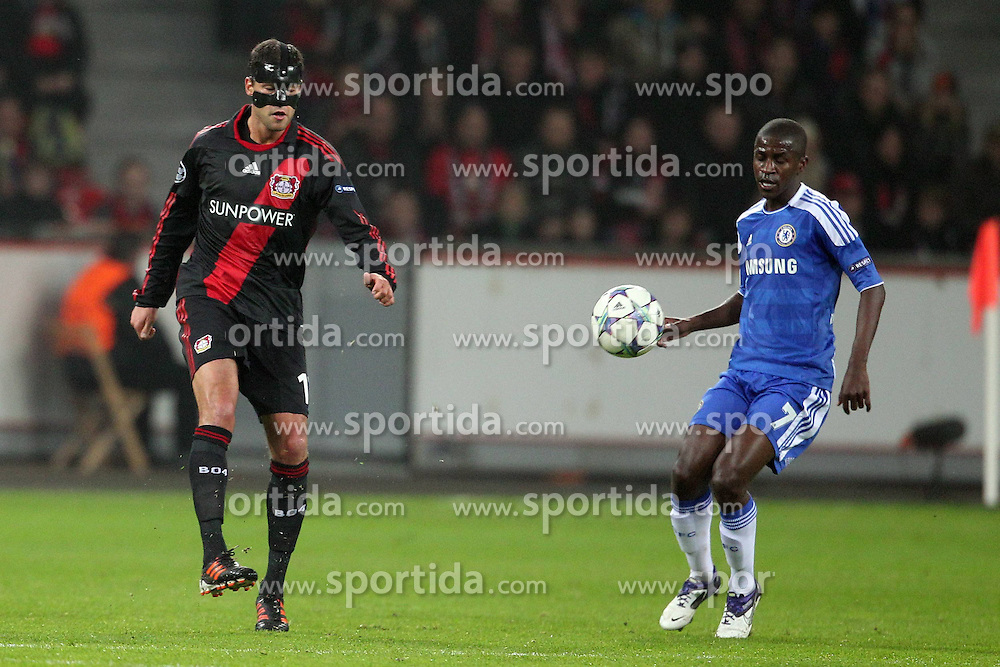 23.11.2011, BayArena, Leverkusen, Germany, UEFA CL, Gruppe E, Bayer 04 Leverkusen (GER) vs Chelsea FC (ENG), im Bild Michael Ballack (Leverkusen #13) gegen Ramires (Chelsea #7) // during the football match of UEFA Champions league, group E, between Bayer Leverkusen (GER) and FC Chelsea (ENG) at BayArena, Leverkusen, Germany on 2011/11/23.EXPA Pictures © 2011, PhotoCredit: EXPA/ nph/ Mueller..***** ATTENTION - OUT OF GER, CRO *****