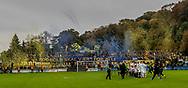 FODBOLD: Brøndby-fans byder spillerne velkommen til  kampen i ALKA Superligaen mellem FC Helsingør og Brøndby IF den 22. oktober 2017 på Helsingør Stadion. Foto: Claus Birch