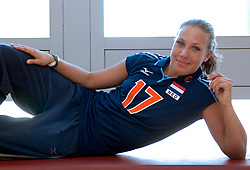 12-05-2005 VOLLEYBAL: TEAMPRESENTATIE: AMSTELVEEN<br /> Sanna Visser<br /> ©2005-WWW.FOTOHOOGENDOORN