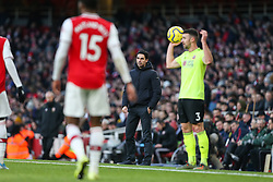 Arsenal manager Mikel Arteta watches on - Mandatory by-line: Arron Gent/JMP - 18/01/2020 - FOOTBALL - Emirates Stadium - London, England - Arsenal v Sheffield United - Premier League