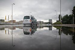 THEMENBILD - Autos fahren auf Regennasser Fahrbahn nach nächtlichem Stark-Regen am 26. Juli 2015 in Zagreb, Kroatien // Wet roads in the town after heavy rain during night. Zagreb, Croatia on 2015/07/26. EXPA Pictures © 2015, PhotoCredit: EXPA/ Pixsell/ Davor Puklavec<br /> <br /> *****ATTENTION - for AUT, SLO, SUI, SWE, ITA, FRA only****
