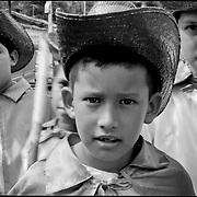 NI—OS DE PORAI - Homenaje a Mariano Diaz.Photography by Aaron Sosa.Mesa de Bolivar.Estado Merida - Venezuela 2005.(Copyright © Aaron Sosa)