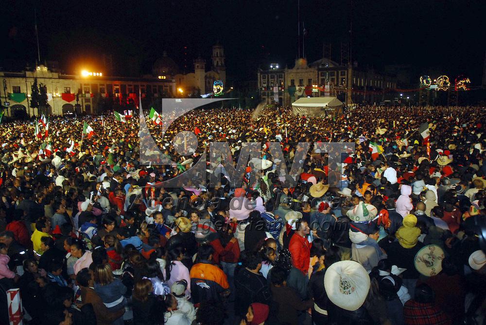 Toluca, Mex.-  Aspectos de la celebraci&oacute;n del 198 Aniversario del inicio de la Independencia. Agencia MVT / Jos&eacute; Hern&aacute;ndez. (DIGITAL)<br /> <br /> <br /> <br /> NO ARCHIVAR - NO ARCHIVE