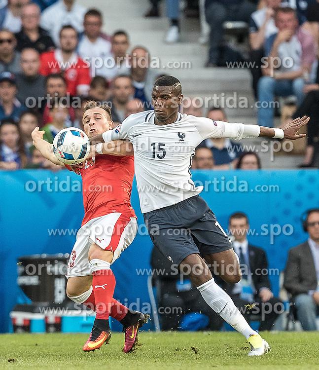 19.06.2016, Stade Pierre Mauroy, Lille, FRA, UEFA Euro, Frankreich, Schweiz vs Frankreich, Gruppe A, im Bild Xherdan Shaqiri (SUI), Paul Pogba (FRA) // Xherdan Shaqiri (SUI), Paul Pogba (FRA) during Group A match between Switzerland and France of the UEFA EURO 2016 France at the Stade Pierre Mauroy in Lille, France on 2016/06/19. EXPA Pictures © 2016, PhotoCredit: EXPA/ JFK