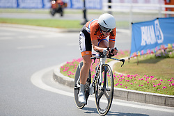 Karlijn Swinkels (NED) on her way to the World Title at the 13.7 km Junior Women's Individual Time Trial, UCI Road World Championships 2016 on 10th October 2016 in Doha, Qatar. (Photo by Sean Robinson/Velofocus).