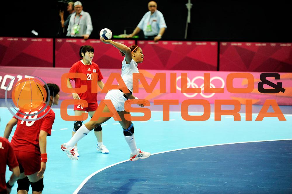 DESCRIZIONE : France Handball Jeux Olympiques Londres GIOCATORE : Kanto Nina FRA SQUADRA : France Femme DATA : 2012-08-11CATEGORIA : SPORT : HandBall AUTORE : AGENZIA CIAMILLO & CASTORIA/G.Ciamillo
