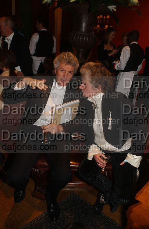 Henry Wyndham and Maggi Hambling. Belle Epoche gala fundraising dinner. National Gallery. 16 March 2006. ONE TIME USE ONLY - DO NOT ARCHIVE  © Copyright Photograph by Dafydd Jones 66 Stockwell Park Rd. London SW9 0DA Tel 020 7733 0108 www.dafjones.com