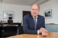 25 JUN 2018, BERLIN/GERMANY:<br /> Olaf Scholz, SPD, Bundesfinanzminister, waehrend einem Interview, in seinem Buero, Bundesministerium der Finanzen<br /> IMAGE: 20180625-02-006<br /> KEYWORDS: Büro
