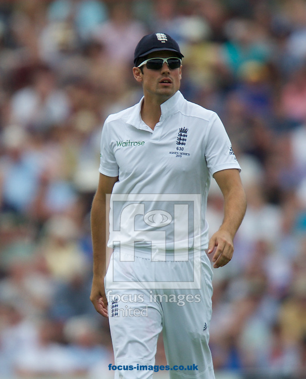 Captain Alastair Cook of England during the 5th Investec Ashes Test Match match at the Kia Oval, London<br /> Picture by Alan Stanford/Focus Images Ltd +44 7915 056117<br /> 20/08/2015