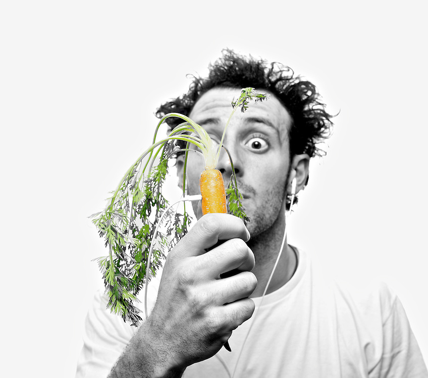 Final picks of commercial photoshoot for a Spanish Reaggae music band album cover and general promotion. The band is called Zanahorias, which means carrots. This shoot was made in a record time of about 8 hours that included, buying the vegetables, setting up studio and lights, shooting, post production and delivery to customer.