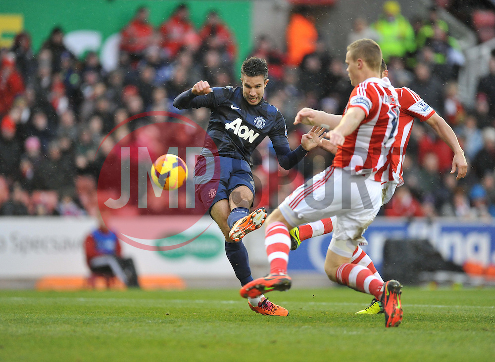 Manchester United's Robin van Persie scores. - Photo mandatory by-line: Alex James/JMP - Tel: Mobile: 07966 386802 01/02/2014 - SPORT - FOOTBALL - Britannia Stadium - Stoke-On-Trent - Stoke v Manchester United - Barclays Premier League