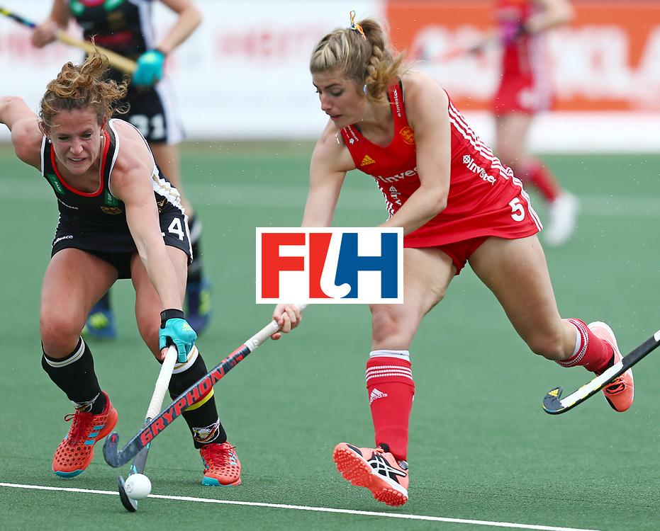 New Zealand, Auckland - 18/11/17  <br /> Sentinel Homes Women&rsquo;s Hockey World League Final<br /> Harbour Hockey Stadium<br /> Copyrigth: Worldsportpics, Rodrigo Jaramillo<br /> Match ID: 10293 - ENG vs GER<br /> Photo: (5) HAYCROFT Sarah against (14) M&Uuml;LLER-WIELAND Janne (C)