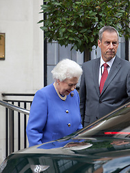 © Licensed to London News Pictures. 06/06/2012. London, U.K..Her Majesty The Queen Elizabeth II Leaves the King Edward VII hospital in Marylebone, London this evening 6th June 2012 after visiting her husband Prince Philip who was taken ill with a bladder infection on Monday 4th June during the Jubilee weekend Celebrations...Photo credit : Rich Bowen/LNP