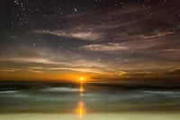 Retrato con luna de Indígenas Ngobe de Playa Nidori o playa Uva, Comarca Indígena Ngobe Bugle, Panamá
