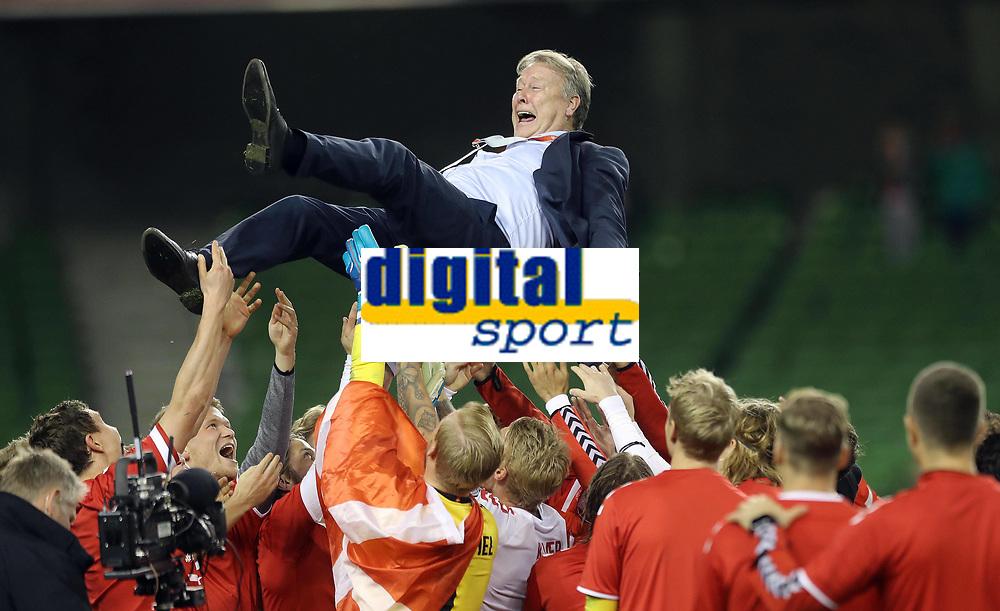 Republic of Ireland v Denmark 2018 FIFA World Cup WM Weltmeisterschaft Fussball Qualifying Denmark Manager Åge Hareide celebrates after the 2018 FIFA World Cup Qualifying   PUBLICATIONxNOTxINxUK
