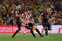 Barcelona´s Sergio Busquets (L) and Athletic de Bilbao´s Aritz Aduriz during 2014-15 Copa del Rey final match between Barcelona and Athletic de Bilbao at Camp Nou stadium in Barcelona, Spain. May 30, 2015. (ALTERPHOTOS/Victor Blanco)