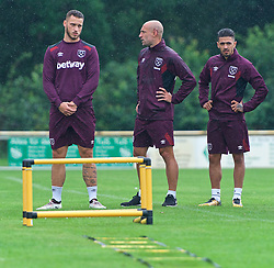 25.07.2017, Trainingsplatz TuS Bothel, Bothel, GER, Trainingslager, West Ham United, im Bild Marco Arnautovic, links, beim Warmmachen // during a trainingsession at the trainingscamp of the English Premier League Football Club West Ham United at the Trainingsplatz TuS Bothel in Bothel, Germany on 2017/07/25. EXPA Pictures &copy; 2017, PhotoCredit: EXPA/ Andreas Gumz<br /> <br /> *****ATTENTION - OUT of GER*****