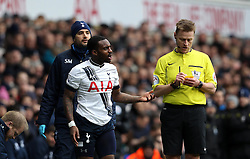 Danny Rose of Tottenham Hotspur argues with Referee Mike Jones - Mandatory byline: Robbie Stephenson/JMP - 28/02/2016 - FOOTBALL - White Hart Lane - Tottenham, England - Tottenham Hotspur v Swansea City - Barclays Premier League