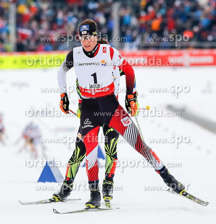 26.02.2015, Lugnet Ski Stadium, Falun, SWE, FIS Weltmeisterschaften Ski Nordisch, Nordische Kombination, Langlauf, im Bild Goldmeadillen Gewinner Bernhard Gruber (AUT) // Gold Medalist Bernhard Gruber of Austria during the Nordic Combined Cross Country of the FIS Nordic Ski World Championships 2015 at the Lugnet Ski Stadium, Falun, Sweden on 2015/02/26. EXPA Pictures © 2015, PhotoCredit: EXPA/ SM