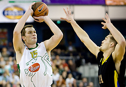 Uros Slokar (15) of Olimpija vs Levon Kendall at Euroleague basketball match between KK Union Olimpija, Ljubljana and Maroussi B.C., Athens, on October 29, 2009, in Arena Tivoli, Ljubljana, Slovenia.  (Photo by Vid Ponikvar / Sportida)
