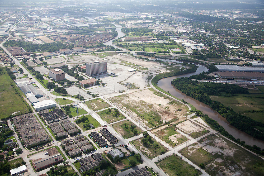 Housing and empty lots along the Buffalo Bayou
