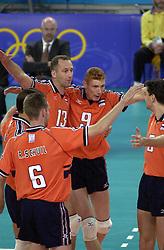 19-09-2000 AUS: Olympic Games Volleybal Nederland - Australie, Sydney<br /> Nederland wint vrij eenvoudig van Australie met 3-0 / Bas van de Goor, Martin van der Horst