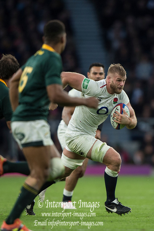 Twickenham, United Kingdom, Saturday, 3rd November 2018, RFU, Rugby, Stadium, England,   England, Lock, George KRUIS, attacking, during the Quilter, Autumn International, England vs South Africa, © Peter Spurrier