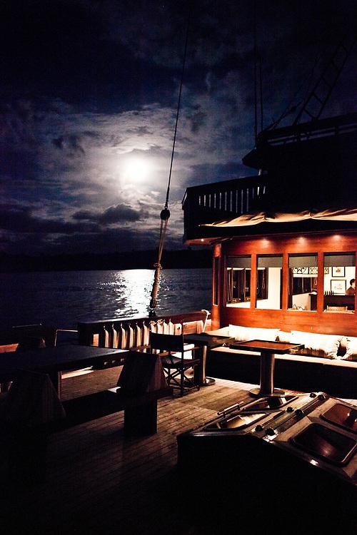 Full moon from Alila Purnama.