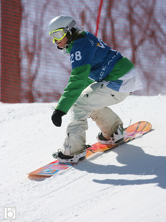 Lindsey Telling of the United States competes during the qualification round for the Nokia Snowboard FIS World Cup 2007 at Whiteface Mountain in lake Placid, N.Y., Wednesday, Mar 7,2007.  This qualification round will determine placings for the Mar 8 snowboard-cross competition. (Photo/Todd Bissonette)
