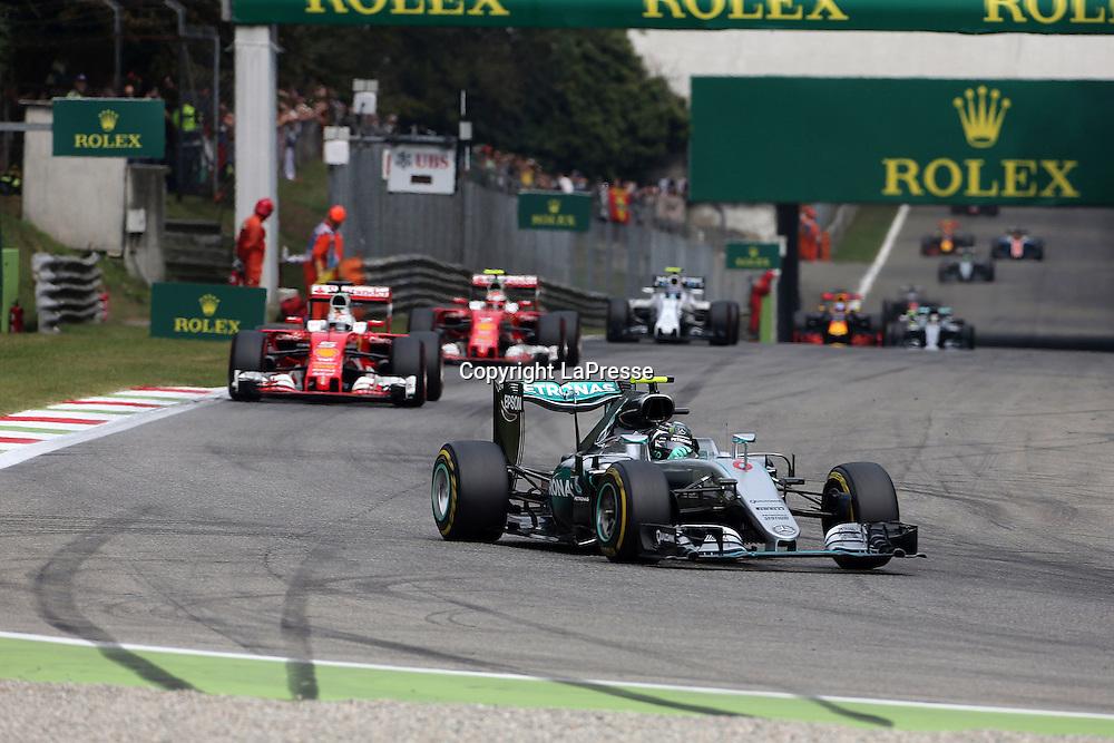 &copy; Photo4 / LaPresse<br /> 04/09/2016 Monza, Italy<br /> Sport <br /> Grand Prix Formula One Italia 2016<br /> In the pic: Nico Rosberg (GER) Mercedes AMG F1 W07 Hybrid leads Sebastian Vettel (GER) Scuderia Ferrari SF16-H