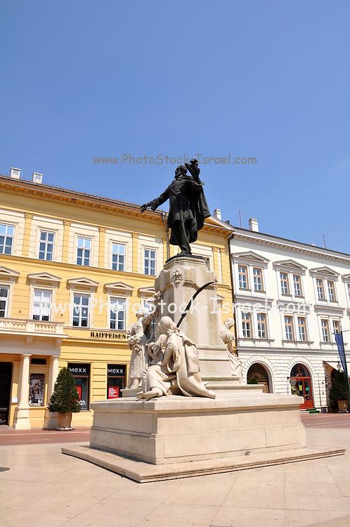 Eastern Europe, Hungary, Szeged, Statue of Kossuth Lajos at Klauzal square