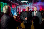 W&uuml;rzburg | Deutschland | 04.03.2016: Der designierte Kanzlerkandidat der SPD Martin Schulz spricht im Vogel Convention Center in W&uuml;rzburg vor Parteimitgliedern.<br /> <br /> hier: Besucher k&ouml;nnen sich mit einem Papp-Schulz fotografieren<br /> <br /> Sascha Rheker<br /> 20170304<br /> <br /> [Inhaltsveraendernde Manipulation des Fotos nur nach ausdruecklicher Genehmigung des Fotografen. Vereinbarungen ueber Abtretung von Persoenlichkeitsrechten/Model Release der abgebildeten Person/Personen liegt/liegen nicht vor.]