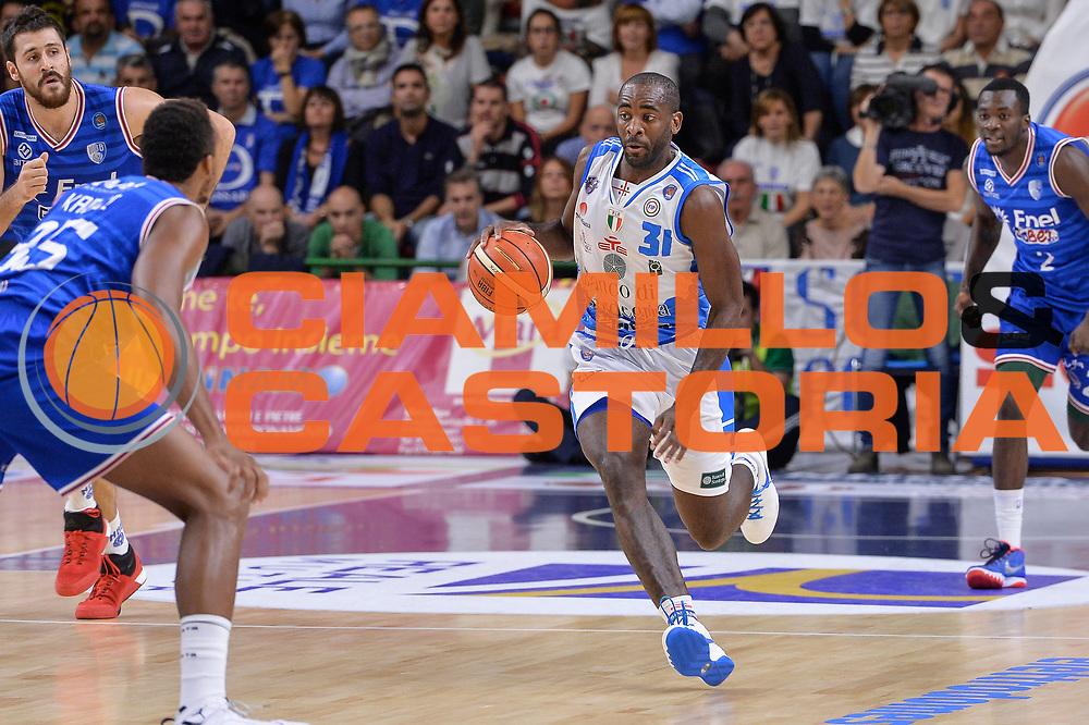 DESCRIZIONE : Beko Legabasket Serie A 2015- 2016 Dinamo Banco di Sardegna Sassari - Enel Brindisi<br /> GIOCATORE : Christian Eyenga<br /> CATEGORIA : Palleggio Contropiede<br /> SQUADRA : Dinamo Banco di Sardegna Sassari<br /> EVENTO : Beko Legabasket Serie A 2015-2016<br /> GARA : Dinamo Banco di Sardegna Sassari - Enel Brindisi<br /> DATA : 18/10/2015<br /> SPORT : Pallacanestro <br /> AUTORE : Agenzia Ciamillo-Castoria/L.Canu