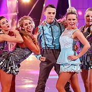 NLD/Hilversum/20130112 - 4e Liveshow Sterren Dansen op het IJs 2013, monsif Bakkali en schaatspartner Patti Petrus