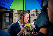 DEN HAAG - Halbe Zijlstra (VVD)  komt aan bij het Johan de Witthuis voor de formatiegesprekken met informateur Gerrit Zalm en de onderhandelaars van VVD, CDA en D66.  copyrught robin utrecht