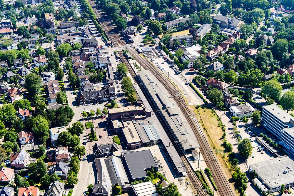 Nederland, Noord-Holland, Hilversum, 29-06-2018; Bussum met NS station Naarden-Bussum.<br /> <br /> aerial photo (additional fee required);<br /> copyright foto/photo Siebe Swart