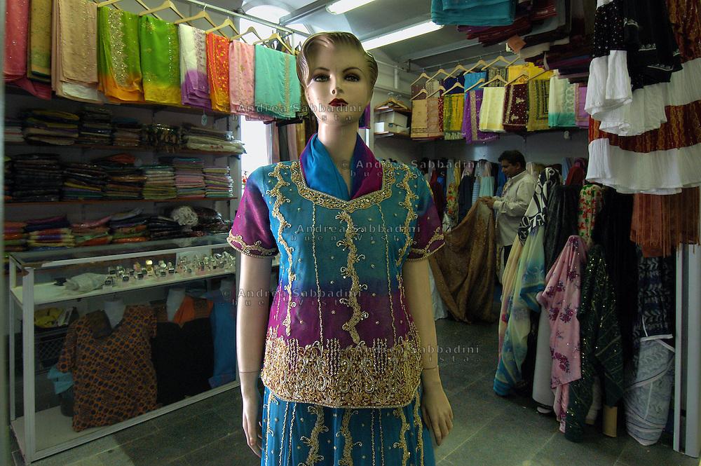 Roma (Italy), 24/05/2005: Negozio di abbigliamento indiano,  Mercato Esquilino..©Andrea Sabbadini