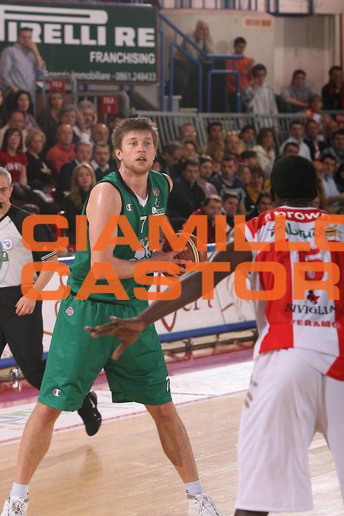 DESCRIZIONE : Teramo Lega A1 2006-07 Siviglia Wear Teramo Montepaschi Siena <br /> GIOCATORE : Boisa <br /> SQUADRA : Montepaschi Siena <br /> EVENTO : Campionato Lega A1 2006-2007 <br /> GARA : Siviglia Wear Teramo Montepaschi Siena <br /> DATA : 18/02/2007 <br /> CATEGORIA : <br /> SPORT : Pallacanestro <br /> AUTORE : Agenzia Ciamillo-Castoria/G.Ciamillo