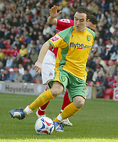 Photo: Aidan Ellis.<br /> Barnsley v Norwich City. Coca Cola Championship. 03/03/2007.<br /> Norwich's Lee Croft holds off Barnsley's Paul Heckingbottom