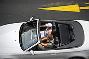 Duitsland, Keulen, 9-8-2009Een BMW cabrio rijdt door het stadscentrum.Foto: Flip Franssen/Hollandse Hoogte