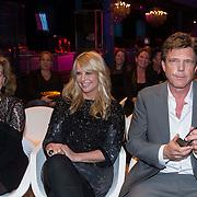 NLD/Amsterdam/20140303 - Uitreiking TV Beelden 2014, Els Verkerk, Linda de Mol en John de Mol met zijn Ouvre award