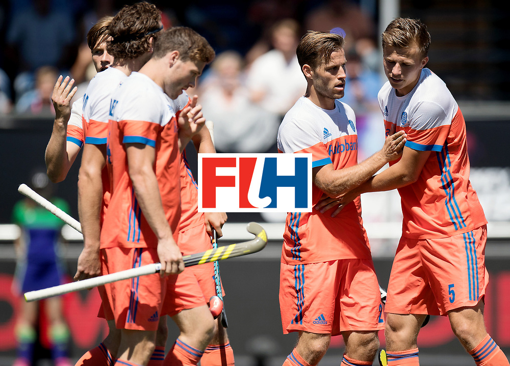BREDA - Rabobank Hockey Champions Trophy<br /> 3rd/4th place The Netherlands - Argentina<br /> Photo: Jeroen Hertzberger and Thijs van Dam.<br /> COPYRIGHT WORLDSPORTPICS FRANK UIJLENBROEK