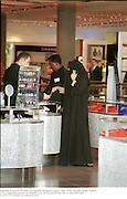 Shopping in Harvey Nichols,  Al Faisaliah shopping Centre.  May 2000.  Riyadh, Saudi  Arabia. © Copyright Photograph by Dafydd Jones 66 Stockwell Park Rd. London SW9 0DA Tel 020 7733 0108 www.dafjones.com