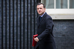 © Licensed to London News Pictures. 20/02/2018. London, UK. Secretary of State for Wales Alun Cairns arrives on Downing Street for the weekly Cabinet meeting. Photo credit: Rob Pinney/LNP
