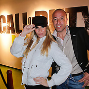 NLD/Amsterdam/20111107- Lancering Call of Duty MW3, Tom Coronel en model