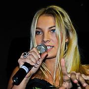 NLD/Amsterdam/20100222 - Presentatie FHM Cover met damesgroep Eyecandy, Melissa de Boer