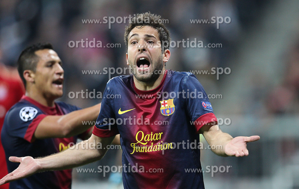 23.04.2013, Allianz Arena, Muenchen, GER, UEFA CL, FC Bayern Muenchen vs FC Barcelona, Halbfinale, Hinspiel, im Bild Jordi ALBA #18 (FC Barcelona) regt sich ueber die Schiedsrichter Entscheidung auf // during UEFA Champions League 1st Leg Semifinal Match between FC Bayern Munich and FC Barcelona at the Allianz Arena, Munich, Germany on 2013/04/23. EXPA Pictures © 2013, PhotoCredit: EXPA/ Eibner/ Kolbert..***** ATTENTION - OUT OF GER *****