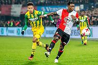 ROTTERDAM - Feyenoord - ADO Den Haag , Voetbal , KNVB Beker , Seizoen 2016/2017 , De Kuip , 14-12-2016 , Feyenoord speler Eljero Elia (r) in duel met ADO Den Haag speler Tyronne Ebuehi (l)